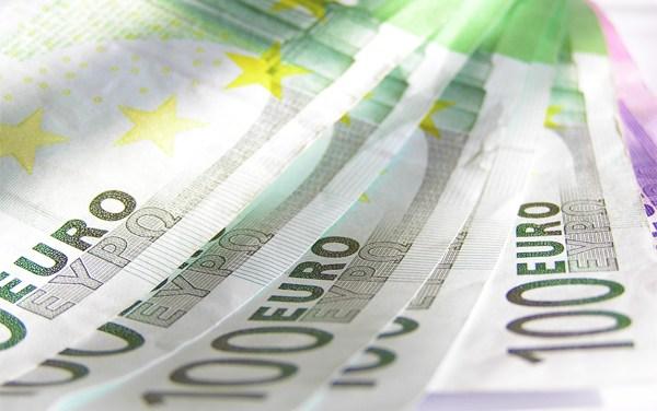 Ehrlich währt am längsten – Finderin gibt 4000 Euro ab