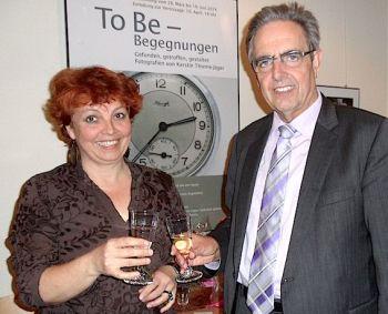 Immer wieder gibt die Verbandsgemeinde Künstlern die Gelegenheit, ihre Bilder in der Verwaltung auszustellen. Ausstellungseröffnung mit Kerstin Thieme-Jäger und Klaus Penzer. (Archivbild)