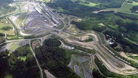 Demo in Mainz für den Erhalt des Nürburgrings. (Bild. Wikipedia)