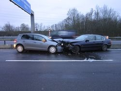 Schwerer Unfall mit LKW geht glimpflich aus
