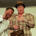 Ach was muss die arme Eugenie, gespielt von Marlis Schmitt, leiden. Gestohlener handkäs', hosenlose Männer und allerlei Ungemach muss sie erdulden. (Bild: Andreas Lerg)