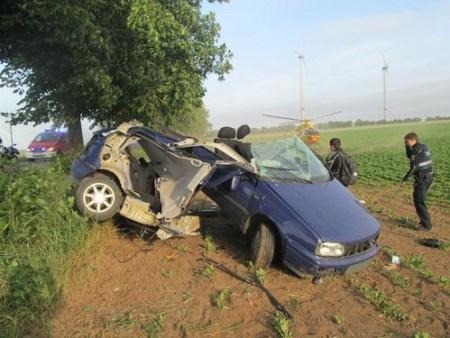 Das zerstörte Unfallfahrzeug. (Bild: Polizei Mainz)