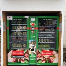 Der Regiomat ist ein Verkaufsautomat für Produkte aus einem Hofladen.