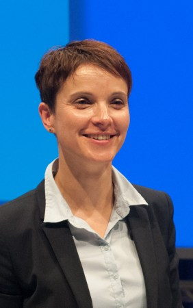Frauke Petry beim a.o. Bundesparteitag der Alternative für Deutschland, 4. Juli 2015 in Essen, Gruga Halle (Foto: Olaf Kosinsky/Skillshare.eu)