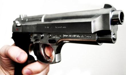 Oooops: Schusswaffe im Bus vergessen