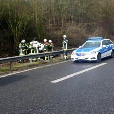 Der Wagen hatte sich überschlagen. (Bild: Feuerwehr Mainz)