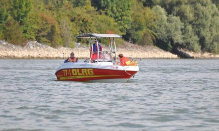 Mann im Rhein – Feuerwehr, DLRG und Polizei suchen vergeblich