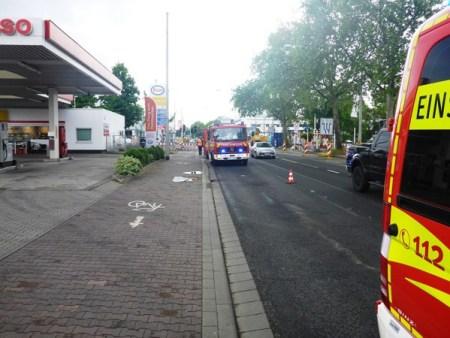 Ölspureinsatz während der Rush-Hour in Mombach und in der Neustadt. (Bild: Feuerwehr Mainz)