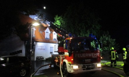 Gebäude in der Altstadt Oppenheim brennt aus