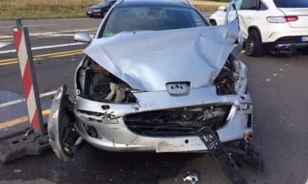 Verkehrsunfall mit drei verletzten Personen