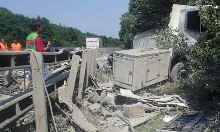Lkw-Unfall auf der A61 – Schaden von 35.000 Euro