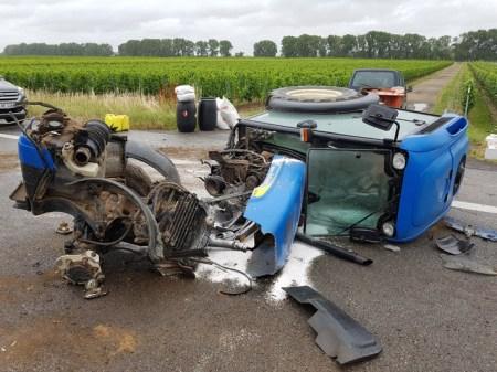 Der unfallbeteiligter Traktor ist völlig zerstört. (Bild: Polizei Worms)
