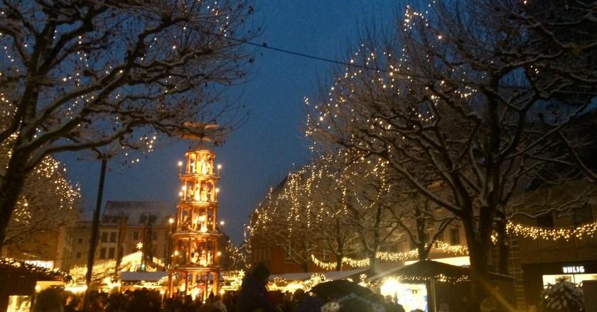 Weihnachtsmarkt, ordentlich Glühwein und dann eine aufs Maul ….
