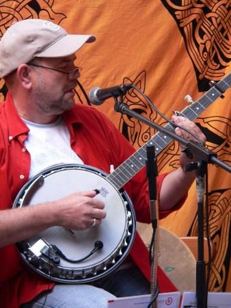 American Irish Folk Konzert mit Tom Cat Bröker im Museumskeller Guntersblum