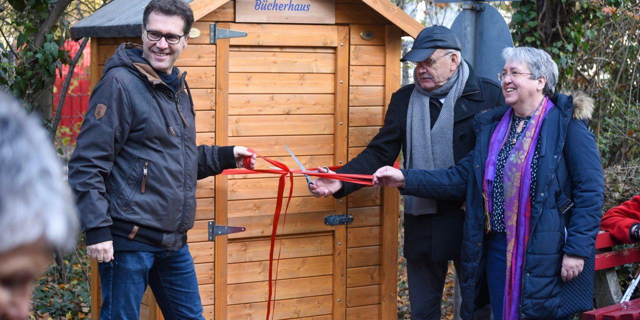 WfO weiht Bücherhaus in Oppenheim ein