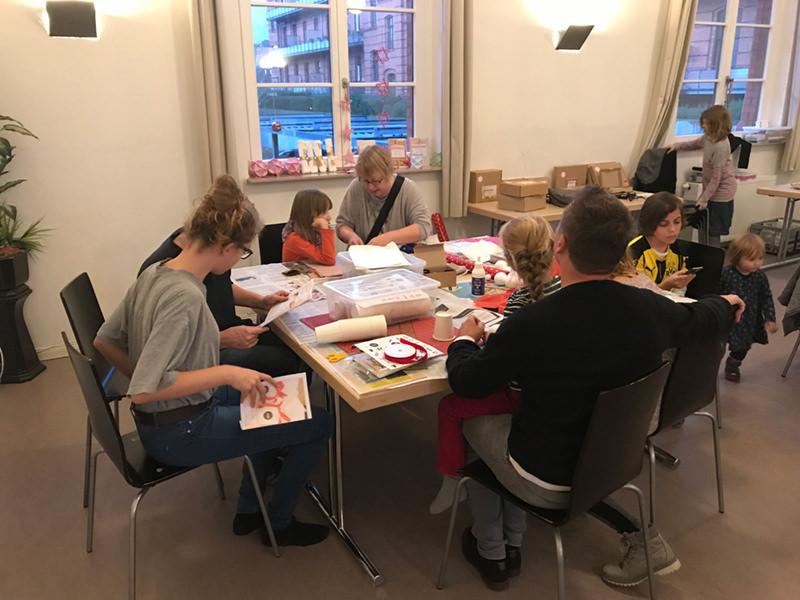WiR – Wohnen in der Rummelsburger Bucht Nachbarschaftsverein – Bastelabend November 2017