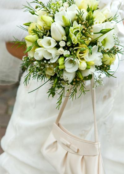 Brautstrauss voller Rosen  Wir sagen Ja
