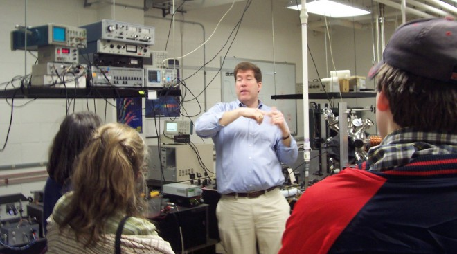 Chad Orzel and homeschoolers in his Union College laser cooling lab (Image: Kathy Ceceri)