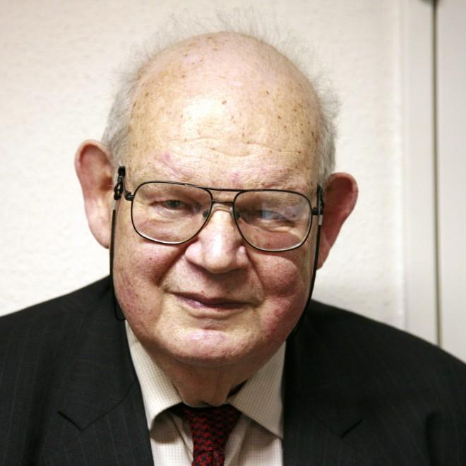 Benoît Mandelbrot