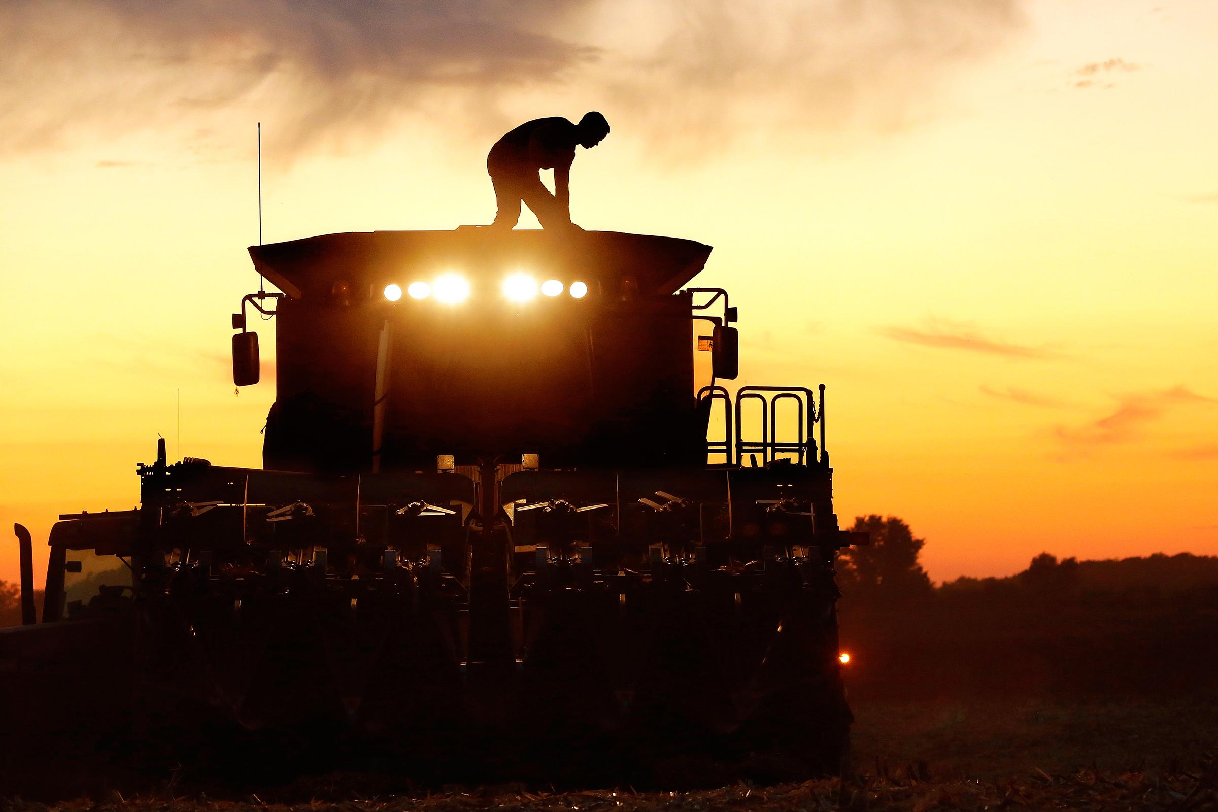 New High Tech Farm Equipment Is A Nightmare For Farmers