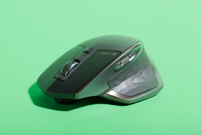 Logitech's New Wireless Mouse Is a Fistful of Awesome