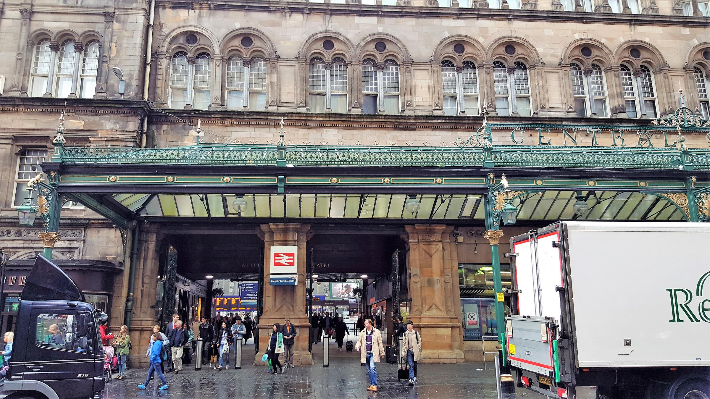 Taking The Virgin First Class Train From Glasgow To London
