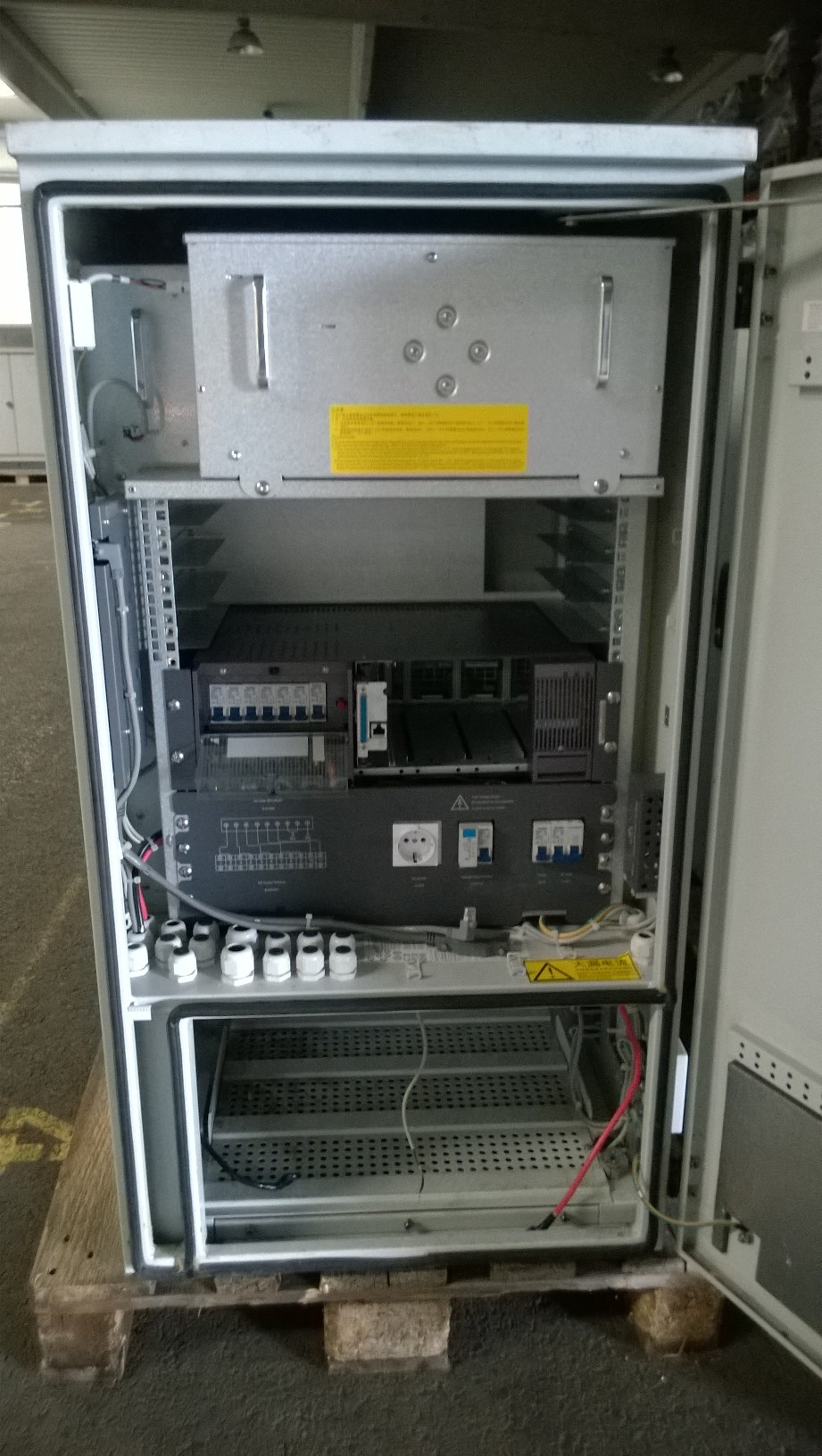 Wireless Classifieds  Used Emerson AP1000 Cabinets