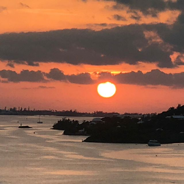 Sunset over Hamilton. Never gets old. .....#travel #traveling #socialenvy  #vacation #visiting #instatravel #instago #instagood #trip #holiday #photooftheday #fun #travelling #tourism #tourist #instapassport #instatraveling #mytravelgram #travelgram #travelingram #igtravel  #ForeverBermuda #GoToBermuda #Bernews #BermudaDreaming #Paradise #photography