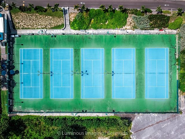 Continuing with one of my summer themes; Bermuda tennis courts. These ones at Elbow Beach Tennis Club, part of the hotel.