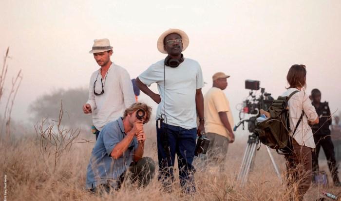 Imagen del director Mahamat-Saleh HAROUN durante la grabación de Grigris. Fuente: www.pilifilms.fr