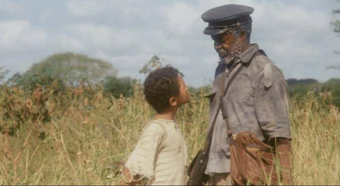 """Fotograma de la película """"Tierra sonámbula"""" dirigida por Teresa Prata y basada en la novela con el mismo nombre del escritor mozambicano Mia Couto."""