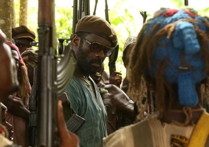 Fotograma de la película Beats of no Nation, dirigida por Cary Fukunaga. En la imagen el co-protagonista Idris Elba.