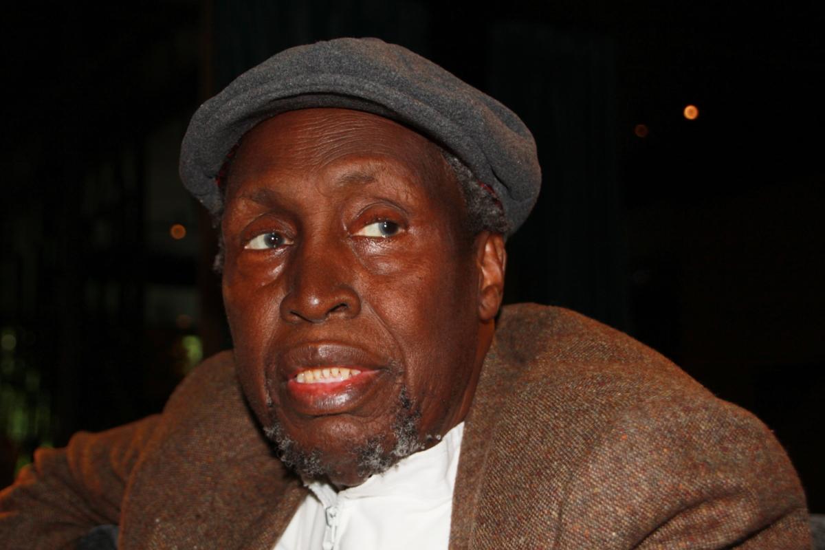 Ngũgĩ wa Thiong'o, escritor e intelectual keniano propone soñar una sociedad más justa. Foto: Carlos Bajo