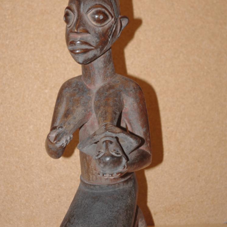 Escultura Yoruba.-