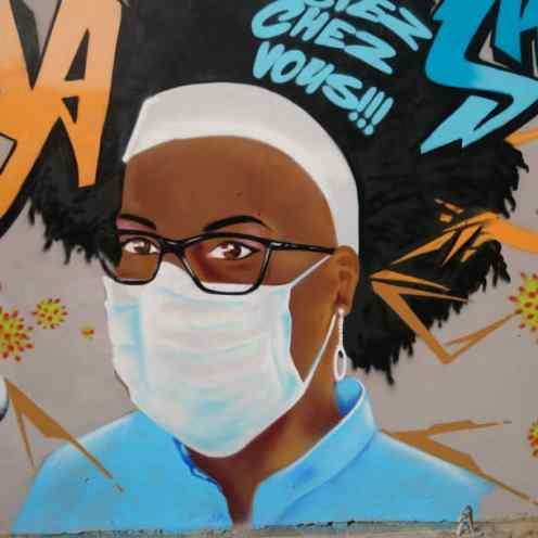 Mural en Dakar realizado por el colectivo Undu Graff.