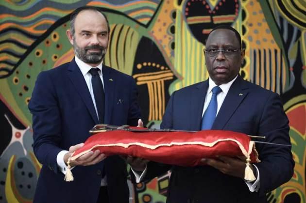 Francia devuelve a Senegal sable de El Hadj Umar Tall