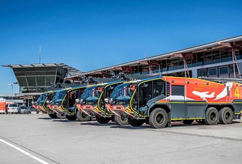 Vier neue Flugfeldlöschfahrzeuge (FLF) vom Typ Panther