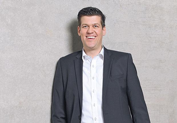 Philipp Rode (38) neben anderen Geschäftsführer der Hettich Marketing und Vertriebs GmbH & Co. KG