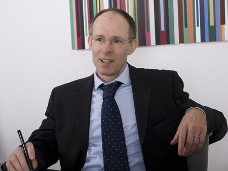 Dr. Raoul Hoffer