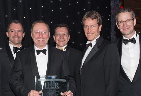 Die Binder Grösswang Managing Partner Michael Kutschera und Thomas Schirmer nahmen den Preis vergangenen Donnerstag in London entgegen.