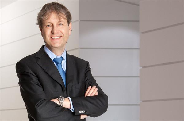 Dr. Thomas Zottl