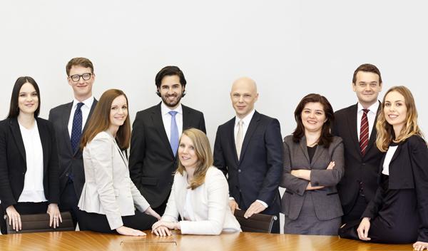 9 neuen Juristinnen und Juristen bei KSW