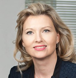 Sabine Mitterbacher ist neuer Head of Corporate Communications and Business Development bei BINDER GRÖSSWANG