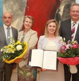 bpv Hügel-Juristin Julia Nicolussi erhält Wissenschaftspreis 2018