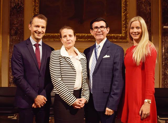 Wolfram Huber, Annika Wolf (beide PHH Rechtsanwälte), Orlando Casares (FLI) und Julia Fritz (PHH Rechtsanwälte)