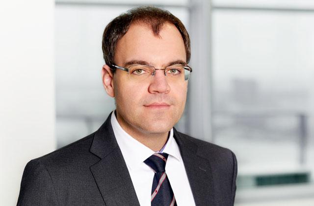 Daniel Reiter ist spezialisiert auf Corporate/M&A sowie Kapitalmarktrecht mit speziellem Fokus auf compliance-rechtliche Beratung börsenotierter Gesellschaften.