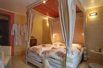 Wirtzfeld Valley Bedroom b02