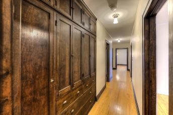 Lawton-apt-46_1-hall-1