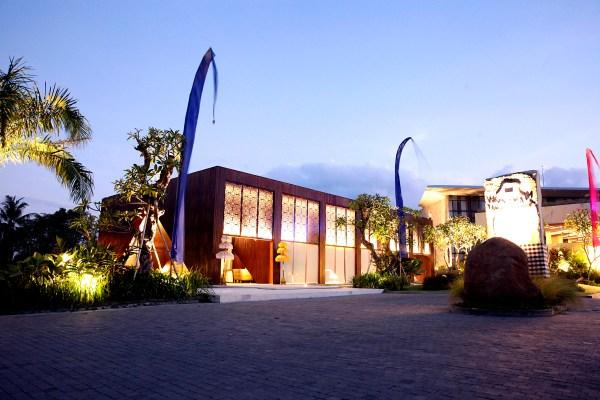 Wisanka Furniture Project Tamansari JIvva Lobby 1