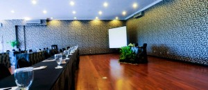 ruangan meeting j-boutique Kuta